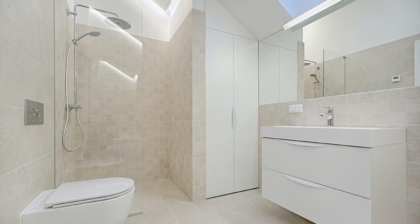 Bagni moderni con doccia al posto della vasca a Brescia e Bergamo